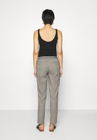 Opus - MORIEL MIXED CHECK - Trousers - sandshell - 2