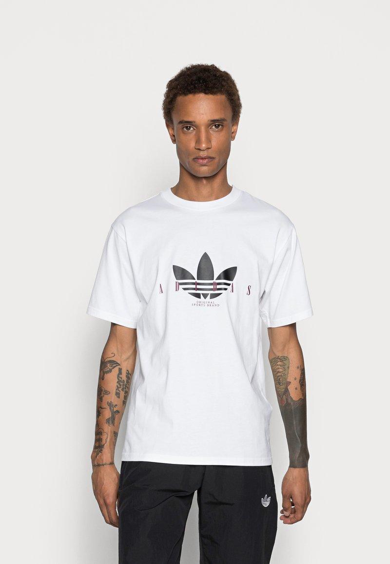 adidas Originals - TREFOIL SCRIPT - Print T-shirt - white