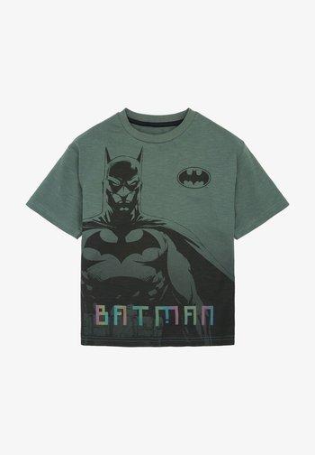 BATMAN® T-SHIRT - Triko spotiskem - green