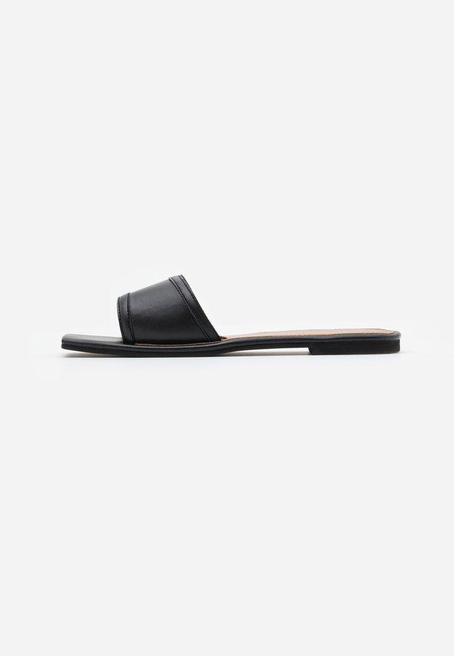 SQUARE TOE SIMPLE STRAP FLAT  - Mules - black