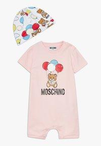 MOSCHINO - ROMPER HAT GIFT SET - Beanie - sugar rose - 0
