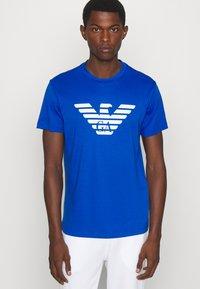 Emporio Armani - Print T-shirt - notte - 3