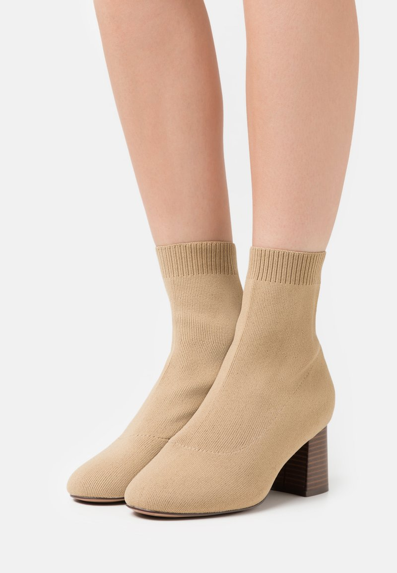 Even&Odd Wide Fit - Classic ankle boots - beige