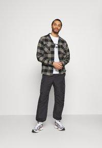 Calvin Klein Jeans - PHOTO TEE UNISEX - T-shirt con stampa - bright white - 1