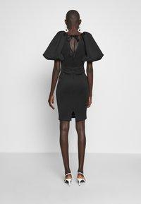 True Violet Tall - TRUE EXTREME PUFF SHOULDER PLUNGE MINI DRESS - Vestido de cóctel - black - 3