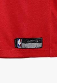 Nike Performance - NBA CHICAGO BULLS ZACH LAVINE ICON SWINGMAN - Klubové oblečení - red - 2