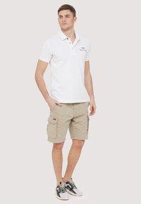 Napapijri - NORE - Shorts - beige - 1