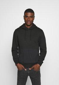 Calvin Klein - POCKET HOODIE - Sweat à capuche - black - 2