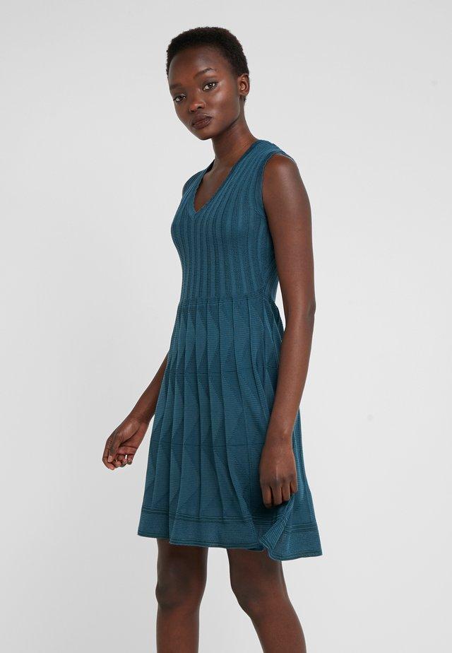 ABITO SENZA MANICHE - Gebreide jurk - blue