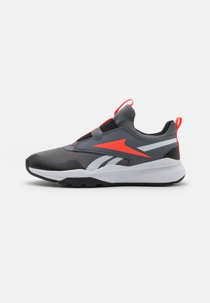 XT SPRINTER SLIP UNISEX - Chaussures de running neutres - cold grey/black/orange
