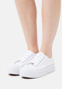 Refresh - Sneakers laag - blanco - 0
