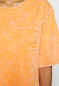 Von Dutch - KENDALL - Jersey dress - orange - 8