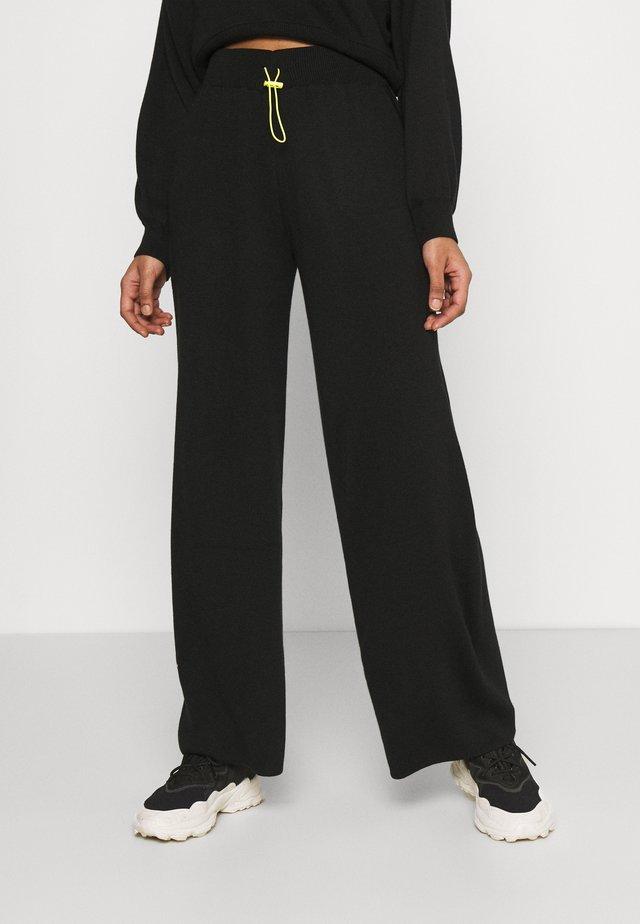 TOGGLE - Pantaloni - black