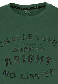 camel active - Print T-shirt - jungle green - 7