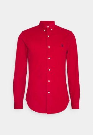 WALE - Shirt - park avenue red