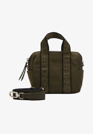 ECO AWARE BOWLING BAG XS KLEINE TASCHE AUS RECYCELTEM NYLON - Across body bag - new olive green