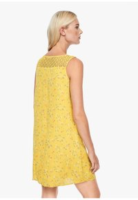 s.Oliver - Day dress - yellow aop mini flowers - 2