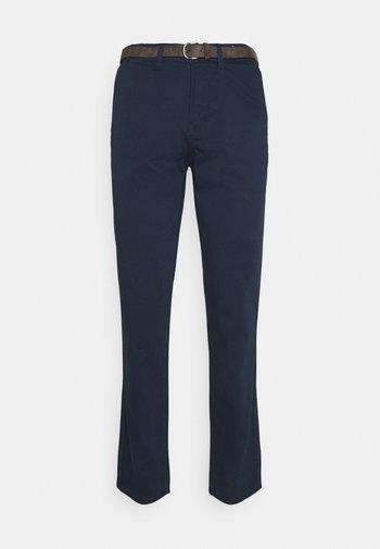 JJICODY JJSPENCER - Chino kalhoty - navy blazer