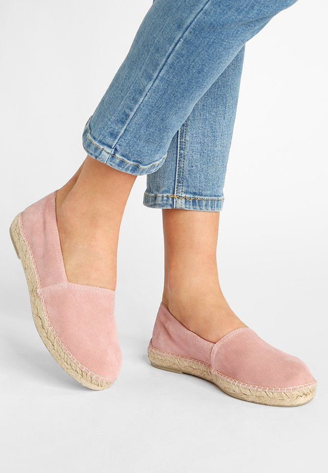 CLASSIC - Loafers - rose
