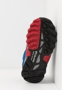 Columbia - FIRECAMPMID - Hiking shoes - royal/ rocket - 5