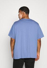 Levi's® Plus - BIG ORIGINAL TEE - Jednoduché triko - colony blue - 2