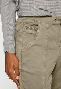 Cream - ROSITA - Trousers - khaki - 3