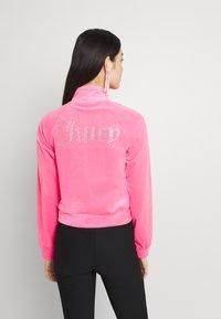 Juicy Couture - TANYA TRACK - Sweater met rits - fluro pink - 2