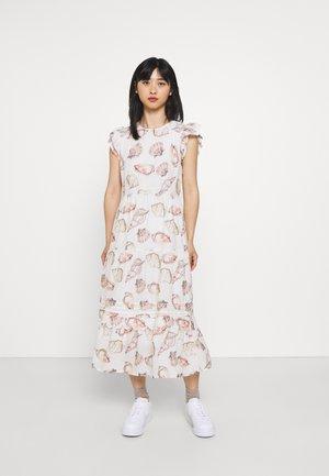 SHELL TIERED DRESS - Denní šaty - white