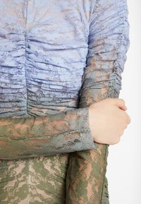 House of Holland - MUTED MINI DRESS - Shift dress - blue/khaki - 6