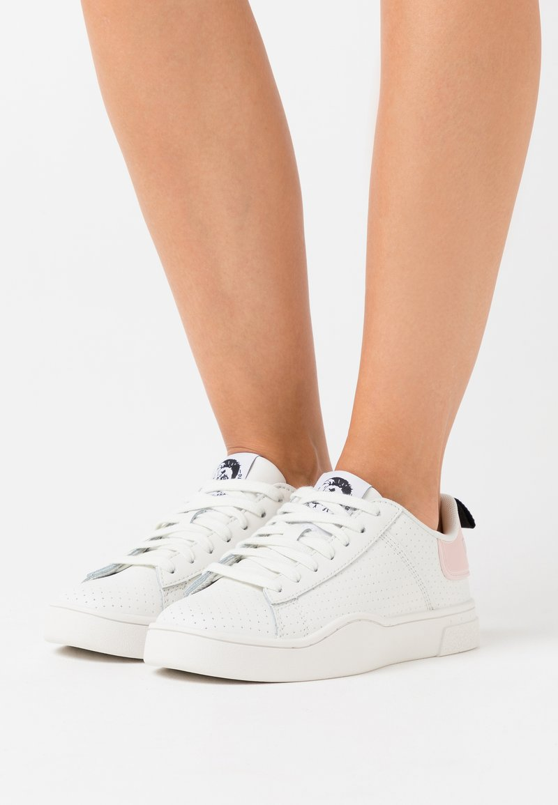 Diesel - CLEVER S-CLEVER LOW LACE W - Trainers - white