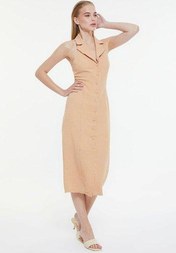PARENT - Sukienka koszulowa - brown