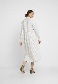 Envii - ENHARRY DRESS - Vestido camisero - white/black - 3