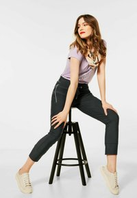 Street One - LOOSE FIT - Trousers - grün - 2