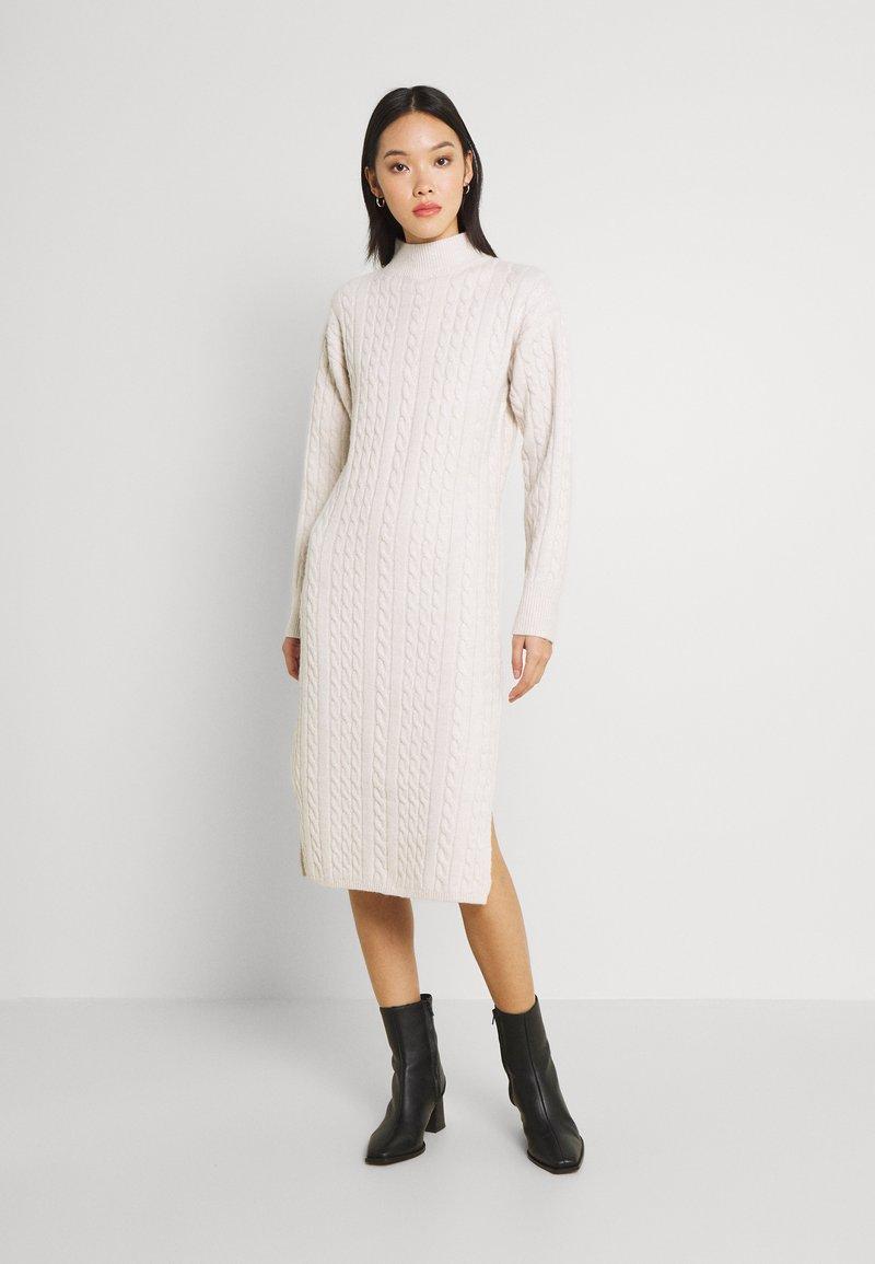 Fashion Union - JOANSIE - Gebreide jurk - cream