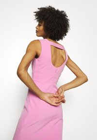 Guess - PATTI DRESS - Shift dress - rich pink - 3