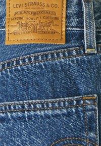 Levi's® - PLEATED - Denim shorts - blue denim - 5