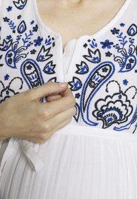 Mara Mea - RICKSHAW RIDE  - Denní šaty - white - 6