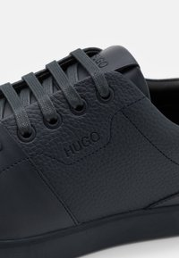 HUGO - Trainers - dark blue - 5