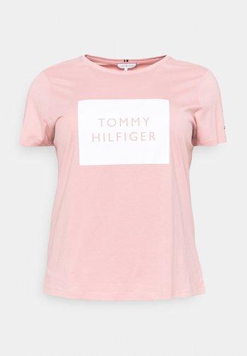 REGULAR BOX TEE - Print T-shirt - soothing pink