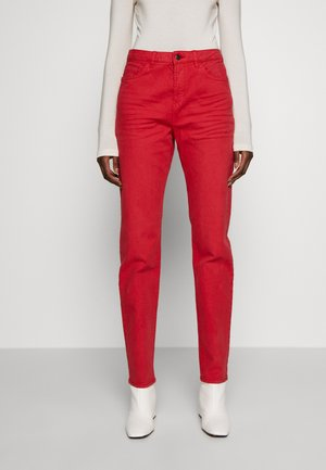 MODERN - Jeans fuselé - dark red