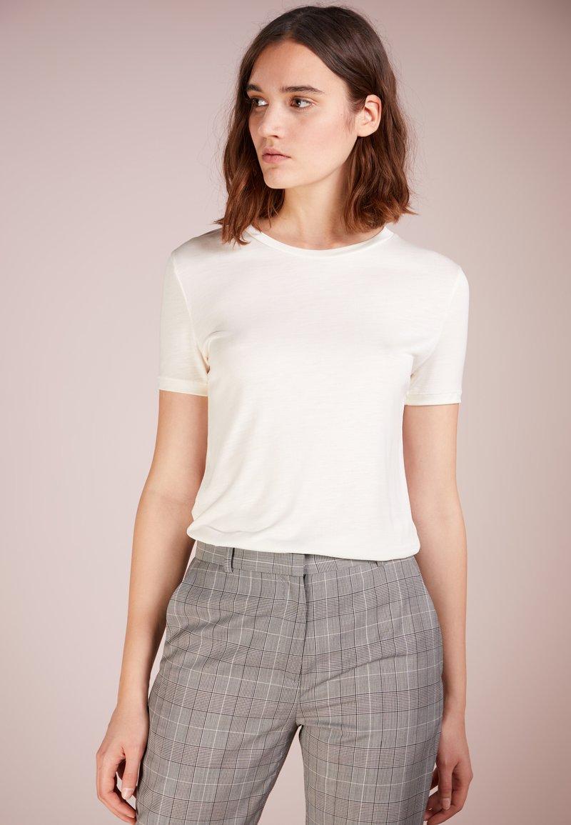 Bruuns Bazaar - KATKA - T-shirt - bas - snow white
