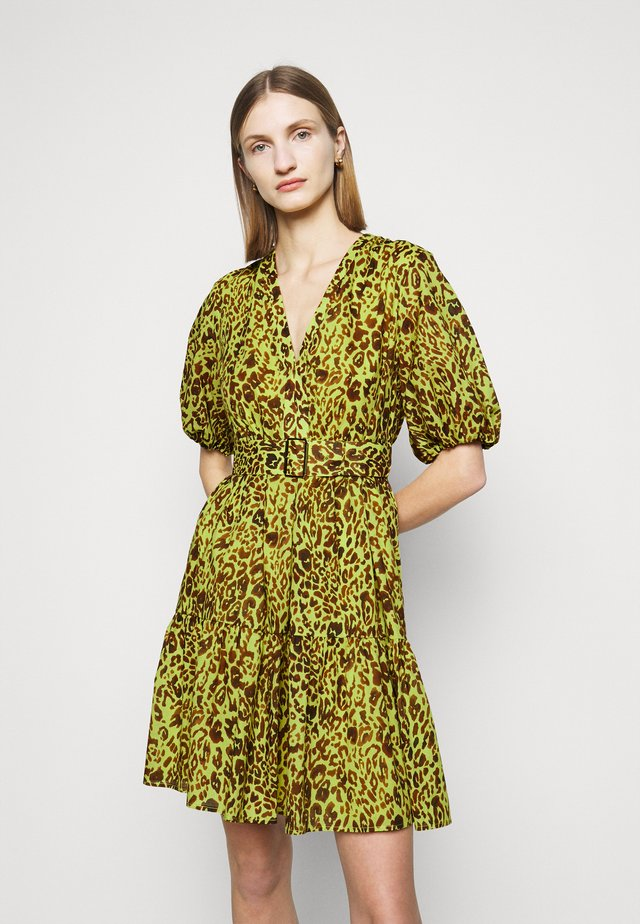 NUVOLOSO ABITO MUSSOLA ST.MACULA - Korte jurk - neon green