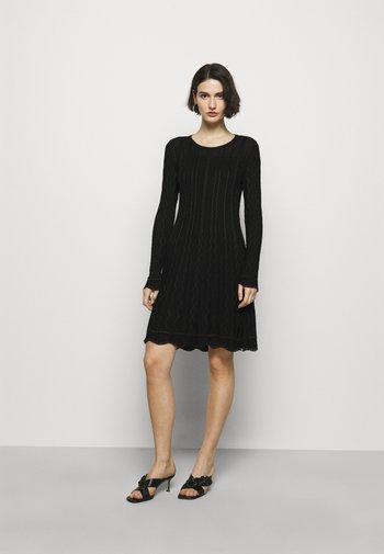 ABITO - Pletené šaty - black
