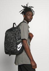 Nike Sportswear - ALL ACCESS SOLEDAY - Sac à dos - black/iron grey/white - 1