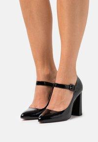 ZIGN Wide Fit - Classic heels - black - 0
