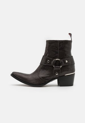 SIXX WESTERN BUCKLE UNISEX - Cowboy/biker ankle boot - black