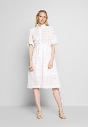 ROXANNE DRESS - Skjortekjole - white