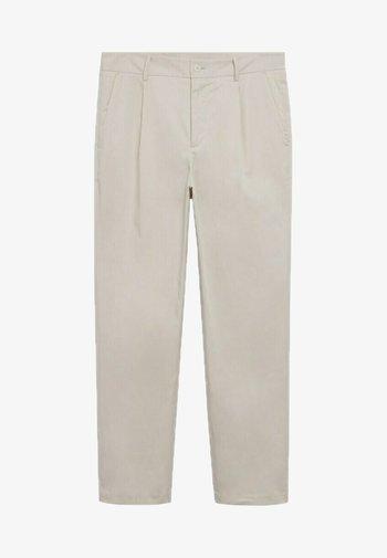 RELAXED FIT-BUNDFALTEN - Chino kalhoty - beige