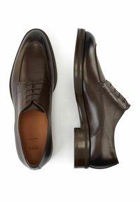 BOSS - HUNTON DERB LTVP - Smart lace-ups - dark brown - 2