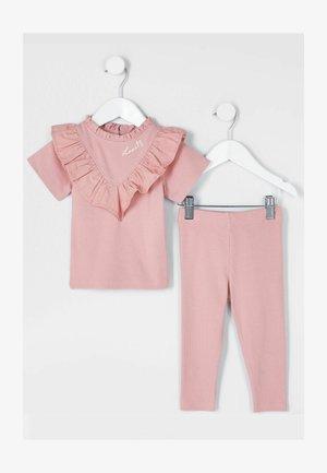 2 PIECE SET - T-shirt imprimé - pink
